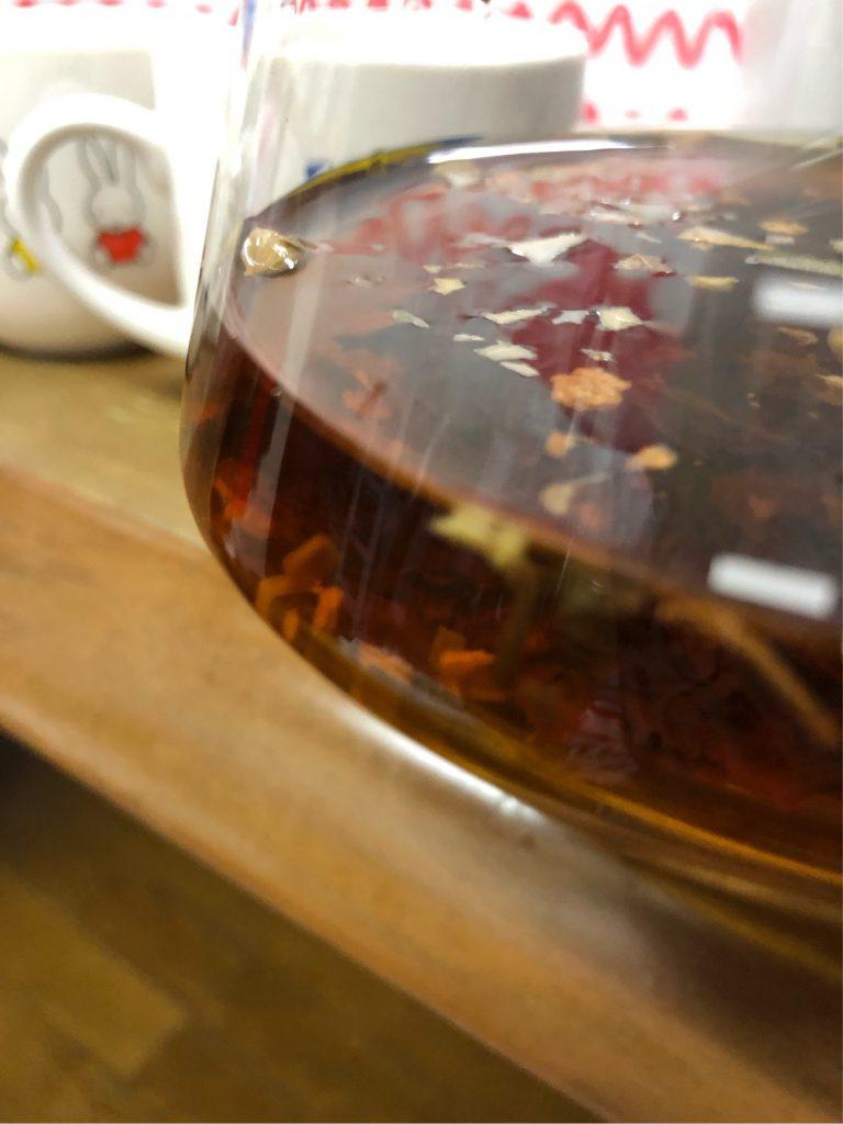 80~90℃に温度で沸かしたお湯を注ぐ